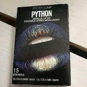 Venomous metallic lip kit smudge proof lips